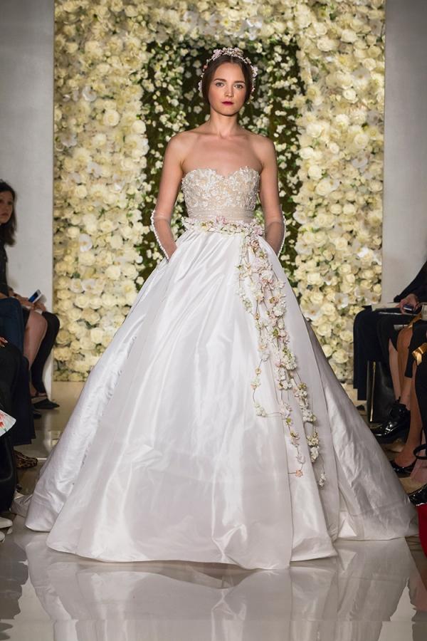 Reem acra trunk show at jj kelly bridal salon for Jj s wedding dresses