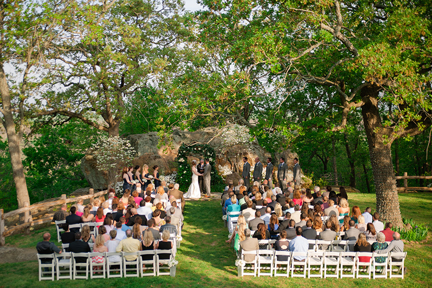 5 rustic tulsa wedding venues for Small private wedding venues