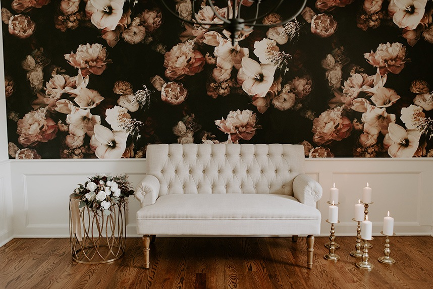 Luxe lounge wedding inspiration from paper chandelier events luxe lounge wedding inspiration oklahoma wedding planner paper chandelier events oklahoma wedding photographer peyton rainey photography aloadofball Images
