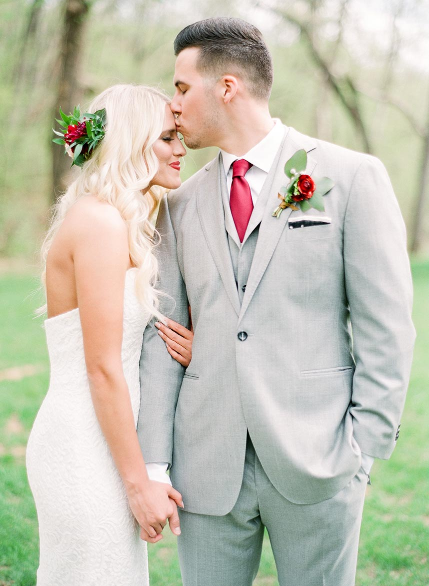 Katherine Olmstead Weds Caleb Bills Romantic Rustic Oklahoma Wedding