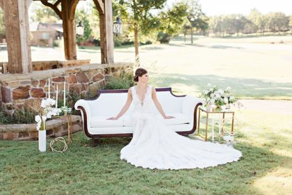 Love Scene Elegant Outdoor Lounge Inspiration Oklahoma Wedding Planner Embellished Weddings Oklahoma Wedding Photographer Kristen Edwards Photography