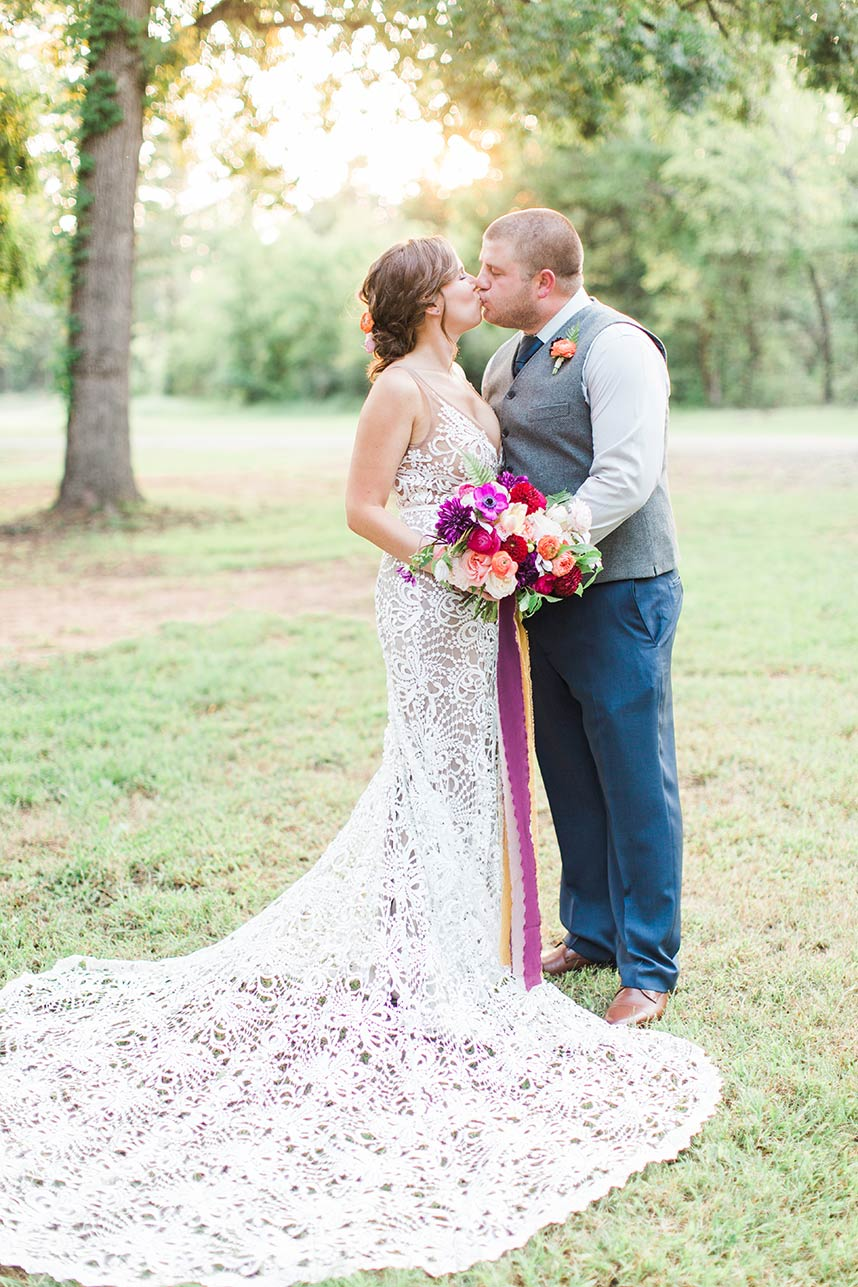 Melissa Hamby Weds Shawn Fadum Colorful Oklahoma Ranch Wedding