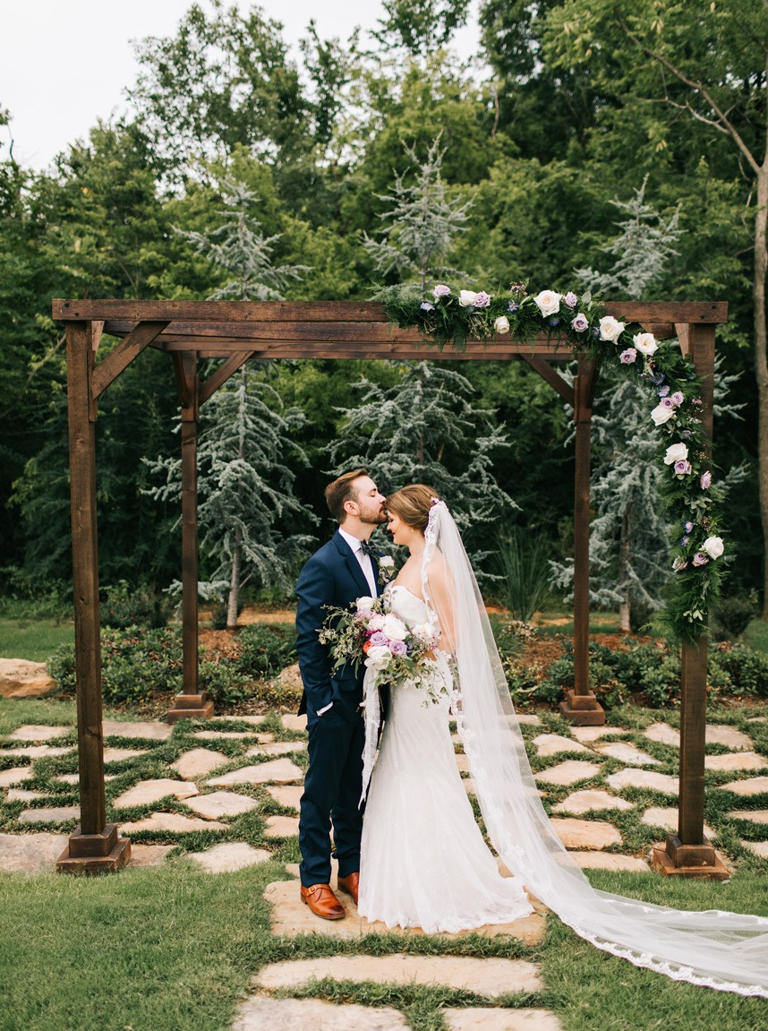 10 Beautiful Outdoor Oklahoma Wedding Venues For A Summer