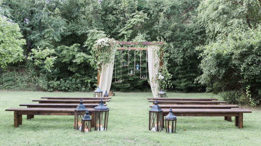 10 Beautiful Outdoor Oklahoma Wedding Venues For A Summer Ceremony