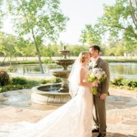 Katie Irwin Weds Justin Scarbrough Oklahoma Wedding at 81 Ranch Captured by Holly Gannett Photography