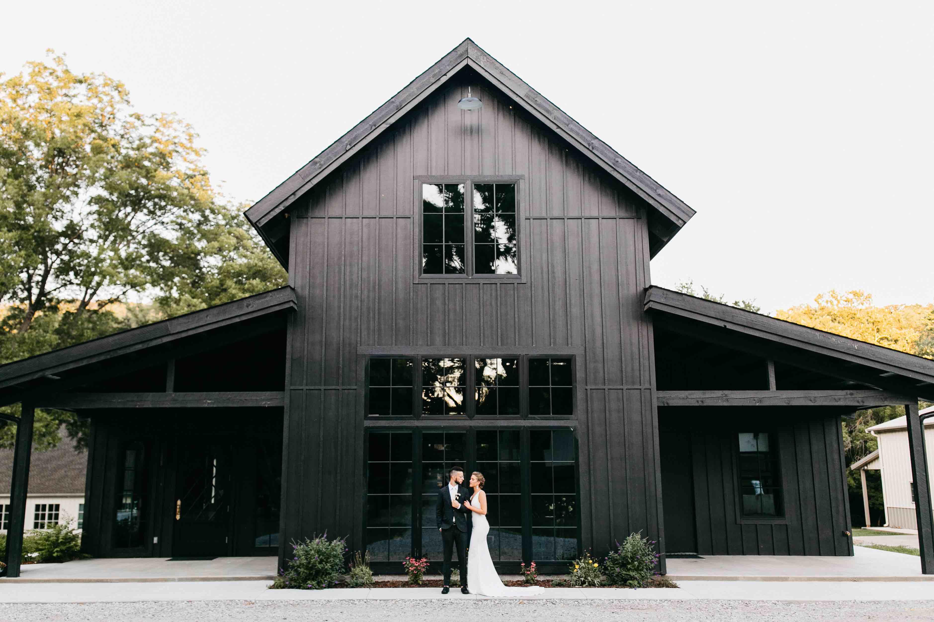 Barn Wedding Venues.The Black Barn At Spain Ranch Brides Of Oklahoma