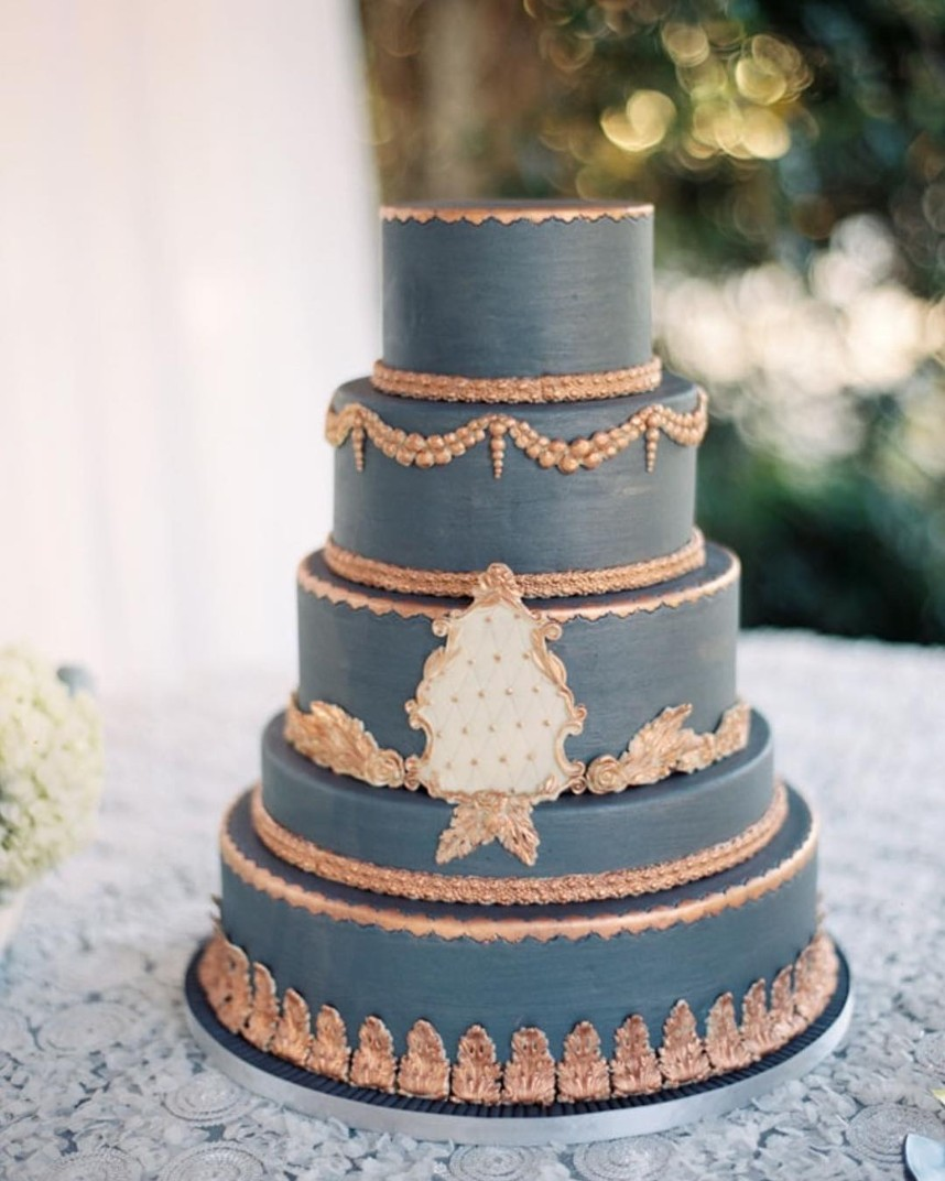 How to Incorporate Personal Style Into Your Wedding Cake