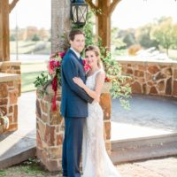 colorfully classic wedding inspiration from oak tree country club in edmond