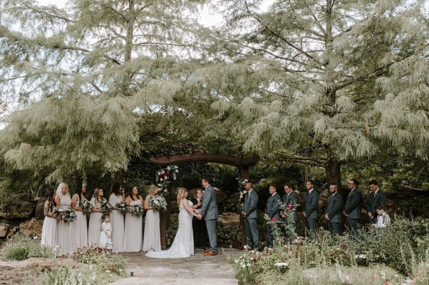6 Outdoor Oklahoma Wedding Venues You Have to See to Believe