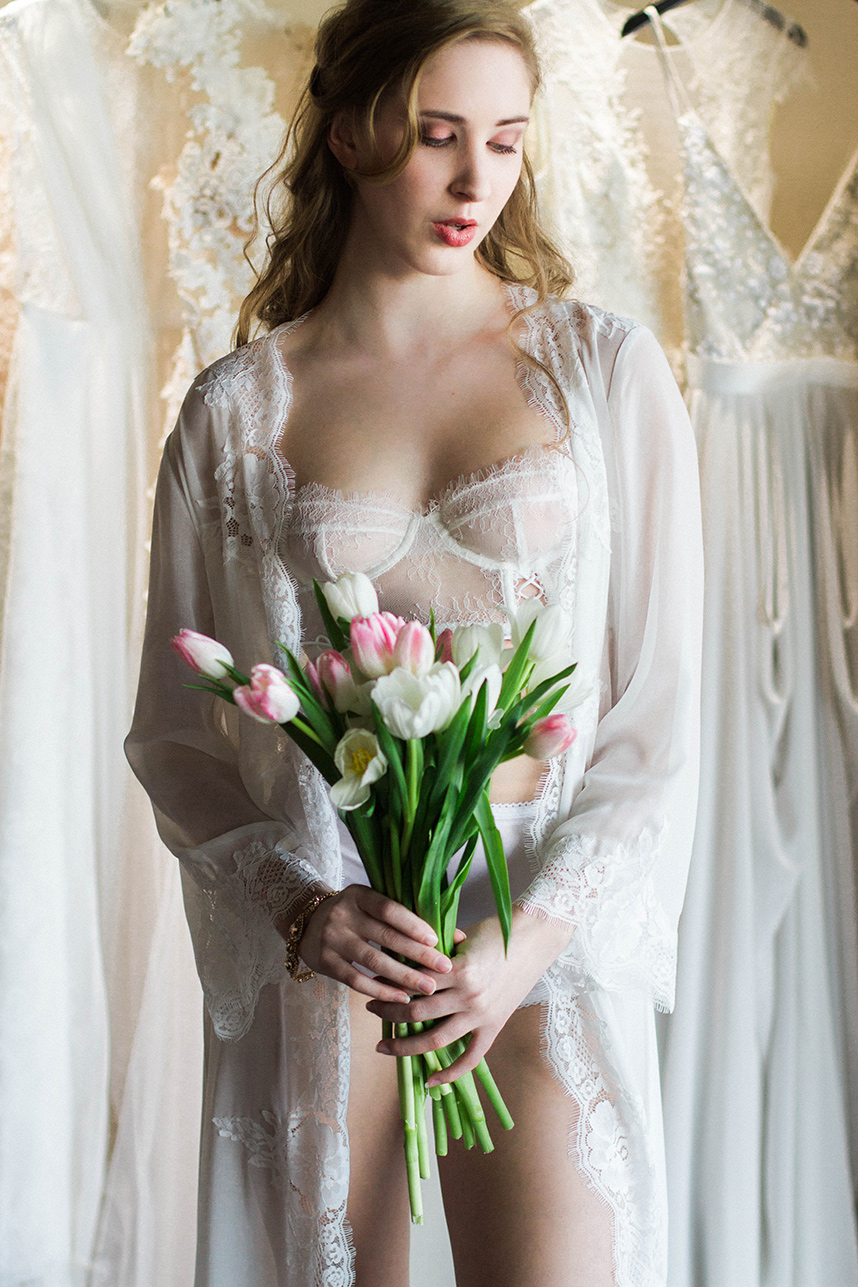 guide to bridal shapewear and lingerie