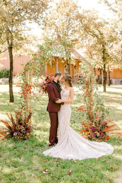 Wild Elegance Wedding Inspiration Oklahoma Wedding Venue Eleven Oaks Ranch Oklahoma Wedding Photographer Meg Rose Photography