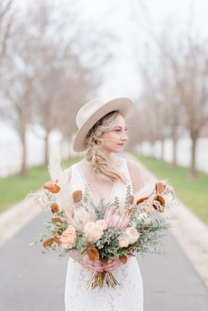 Fall Toned Bohemian Wedding Inspiration Oklahoma Wedding Venue Aspen Ranch Oklahoma Wedding Photographer Megan Lee Photography